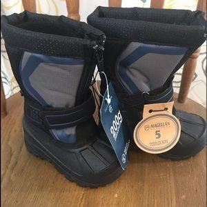 NWT. Magellan Outdoors. Toddler Boys Boots.